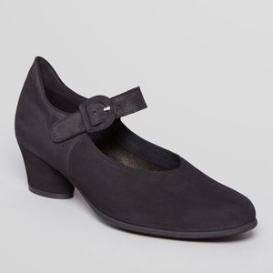Arche Mary Jane Pump 7.5 French 38.5